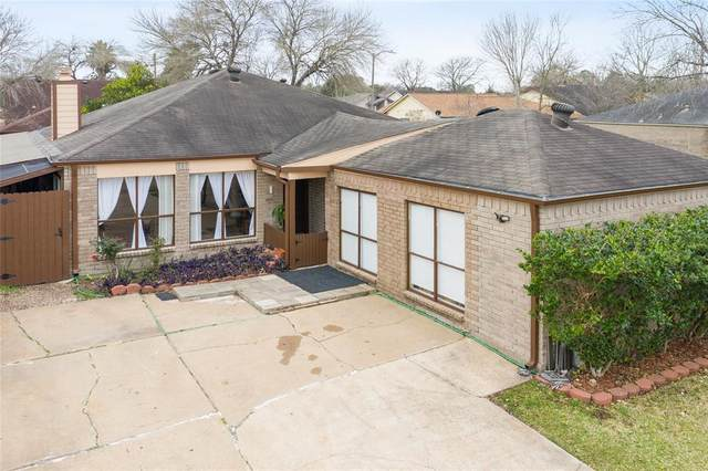 11231 Windmark Drive, Houston, TX 77099 (MLS #69545586) :: Michele Harmon Team