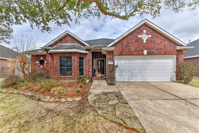 4404 N Cook Circle, League City, TX 77573 (MLS #69612018) :: The SOLD by George Team