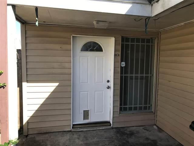 4327 Willow Beach Drive, Houston, TX 77072 (MLS #69696039) :: Michele Harmon Team