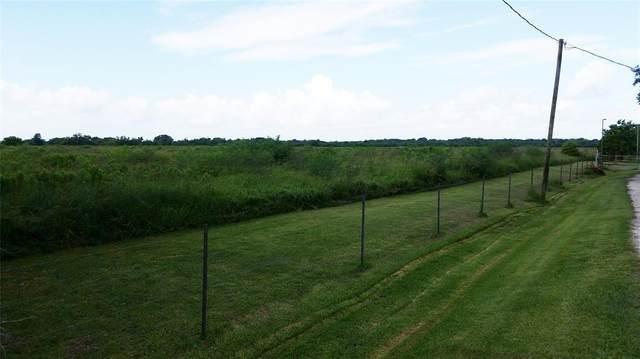 100 County Road 48, Angleton, TX 77515 (MLS #69918297) :: Michele Harmon Team