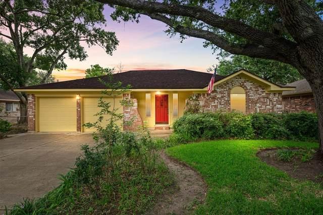 2126 Redwood Street, Kemah, TX 77565 (MLS #69926741) :: The Bly Team