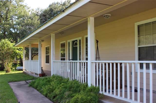305 County Road 893A, Angleton, TX 77515 (MLS #70023145) :: Guevara Backman