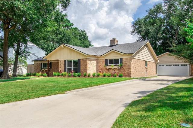 4034 Shady Springs Drive, Seabrook, TX 77586 (MLS #70208106) :: The Bly Team