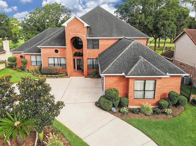 2318 Green Tee Drive, Pearland, TX 77581 (MLS #70216108) :: The Wendy Sherman Team