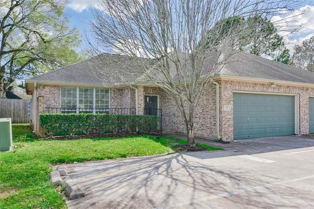 717 Cedarwood, Friendswood, TX 77546 (MLS #70387271) :: Homemax Properties