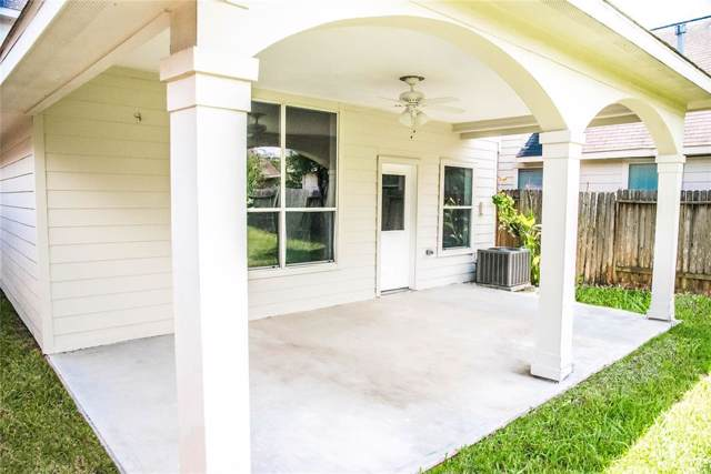 7134 Biton Drive, Houston, TX 77083 (MLS #70444396) :: The SOLD by George Team