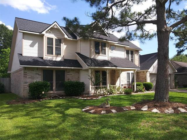 901 Essex Drive, Friendswood, TX 77546 (MLS #70484156) :: The Freund Group