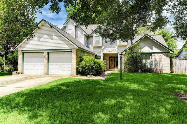 742 S Illinois Avenue, League City, TX 77573 (MLS #70488881) :: The SOLD by George Team