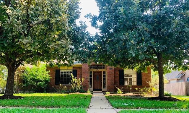 6718 Flowermound Drive, Sugar Land, TX 77479 (MLS #70615664) :: All Cities USA Realty