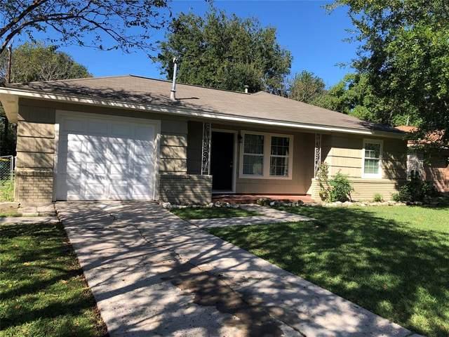 904 Largo Street, Baytown, TX 77520 (MLS #70635309) :: The SOLD by George Team