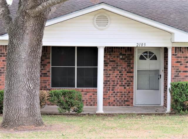 2103 Holly Street, East Bernard, TX 77435 (MLS #7066917) :: The Wendy Sherman Team
