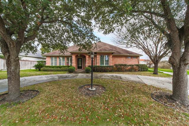 38 Englewood Court, Montgomery, TX 77356 (MLS #70697644) :: The Home Branch