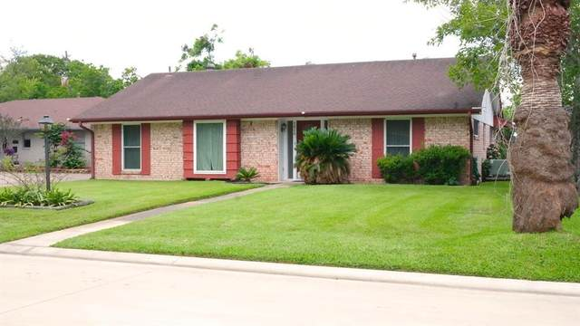 1414 Delabrook Court, Seabrook, TX 77586 (MLS #71024822) :: The Bly Team