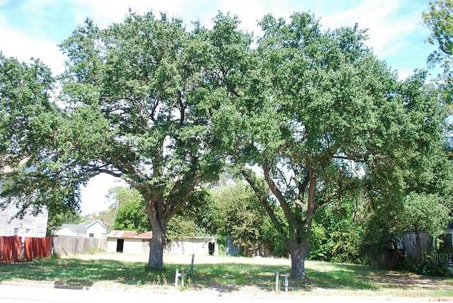 300 E Post Office Street, Eagle Lake, TX 77434 (MLS #71124440) :: Len Clark Real Estate