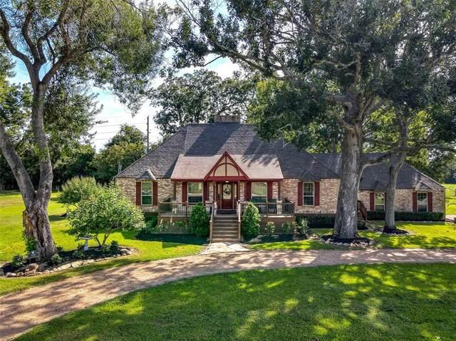 918 Wagon Road, Simonton, TX 77485 (MLS #71185346) :: Caskey Realty