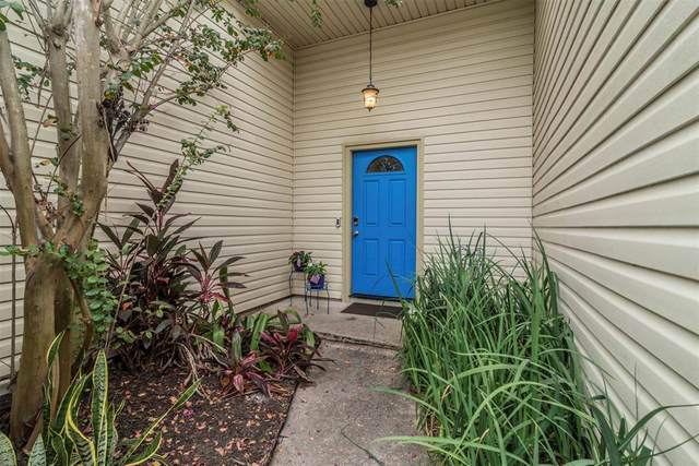 1931 Pilgrims Point Drive, Friendswood, TX 77546 (MLS #71338136) :: The Parodi Team at Realty Associates