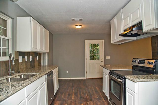 14943 Burnett Lane, Willis, TX 77378 (MLS #71420924) :: The Home Branch