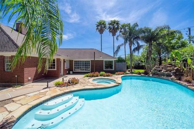 2110 Cherry Hills Drive, League City, TX 77573 (MLS #71569802) :: Bay Area Elite Properties