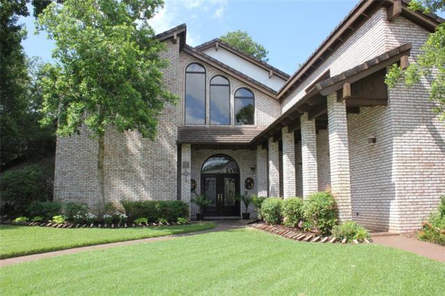 60 Oak Hollow Circle, Lake Jackson, TX 77566 (MLS #71585474) :: Caskey Realty