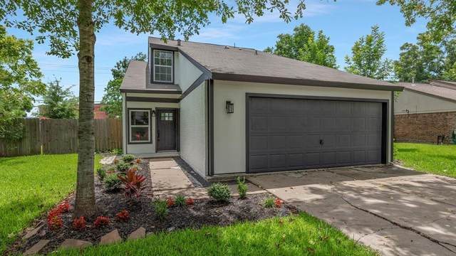 445 E Castle Harbour Drive, Friendswood, TX 77546 (MLS #71589348) :: The Property Guys