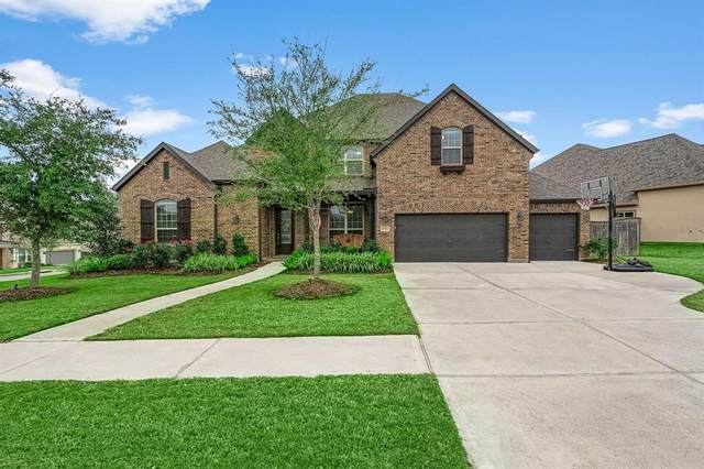 5522 Song Bird Lane, Fulshear, TX 77441 (MLS #71683933) :: The SOLD by George Team