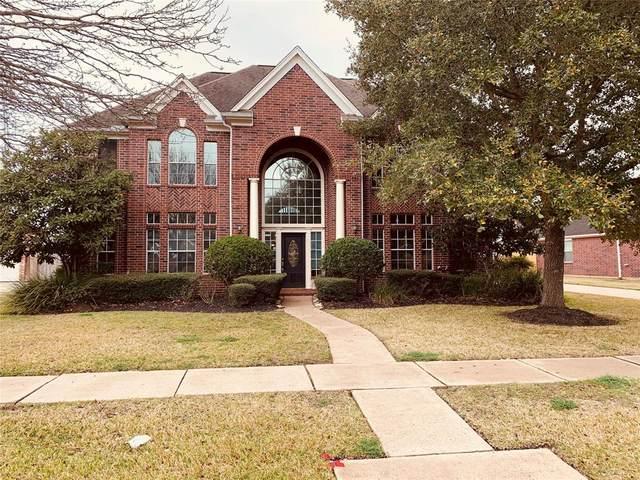 1705 Sandy Lake Drive, Friendswood, TX 77546 (MLS #71922522) :: Ellison Real Estate Team