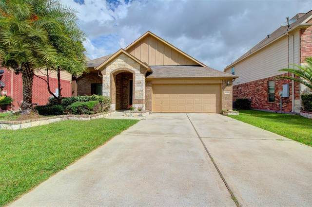 4815 Sheila Drive, Baytown, TX 77521 (MLS #71929338) :: The SOLD by George Team