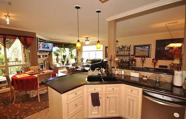 305 Lakeside Lane, Nassau Bay, TX 77058 (MLS #72031271) :: Lerner Realty Solutions