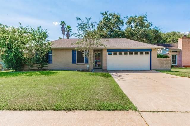 40 Sarita Road, Angleton, TX 77515 (MLS #72057541) :: The Bly Team