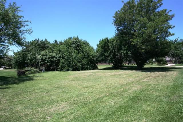 9 Englewood Court, Montgomery, TX 77356 (MLS #72135495) :: The Heyl Group at Keller Williams
