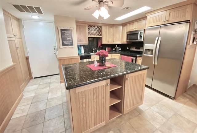 2016 Main Street #2214, Houston, TX 77002 (MLS #72200823) :: The SOLD by George Team