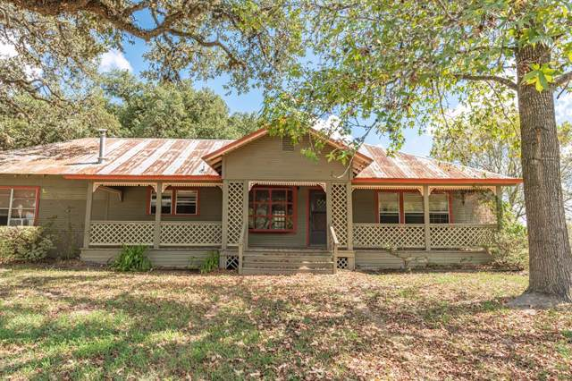 1042 Jennifer Lane, Columbus, TX 78934 (MLS #72368946) :: The Parodi Team at Realty Associates
