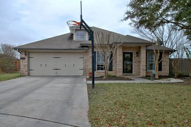 1832 Sunnybrook Drive, New Braunfels, TX 78130 (MLS #72421793) :: The Parodi Team at Realty Associates