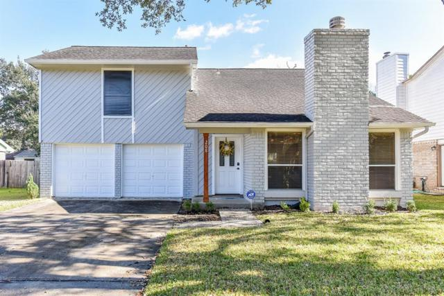 208 Oak Harbor Drive, Houston, TX 77062 (MLS #72423738) :: Fairwater Westmont Real Estate