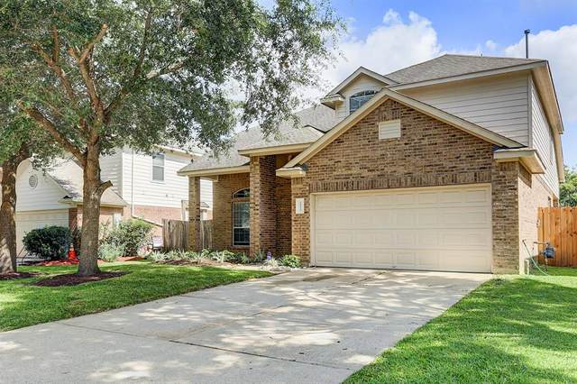 10013 Hidden Falls Drive, Pearland, TX 77584 (MLS #72536309) :: The SOLD by George Team