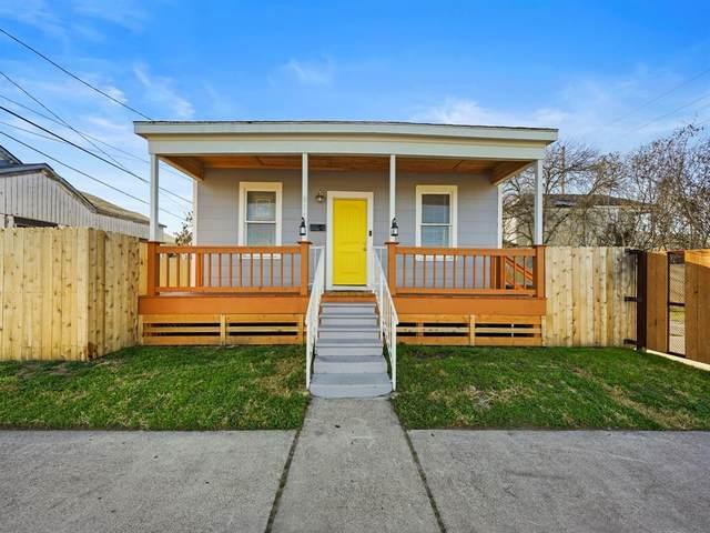 811 40th Street, Galveston, TX 77550 (MLS #72712825) :: My BCS Home Real Estate Group