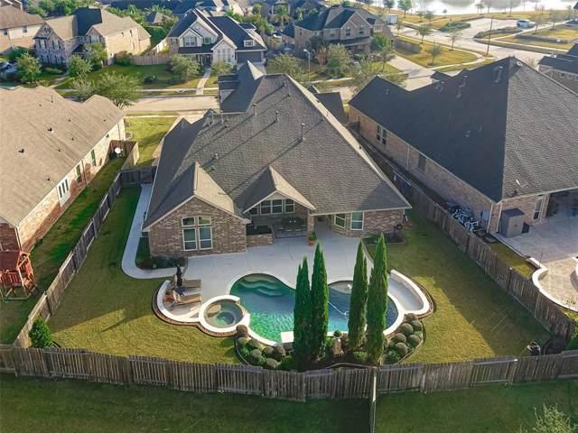 1026 Knoll Bridge Lane, Friendswood, TX 77546 (MLS #72754270) :: The SOLD by George Team
