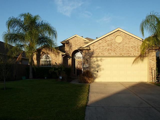 2296 Catalonia Cv, League City, TX 77573 (MLS #72756456) :: REMAX Space Center - The Bly Team