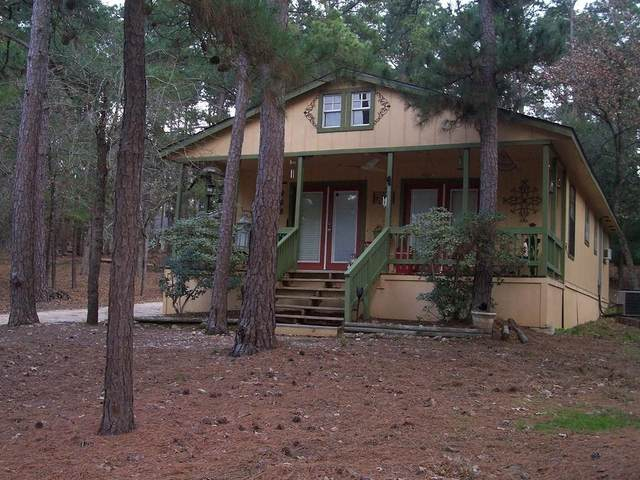 928 Moccasin Trail, La Grange, TX 78945 (MLS #72785559) :: Guevara Backman