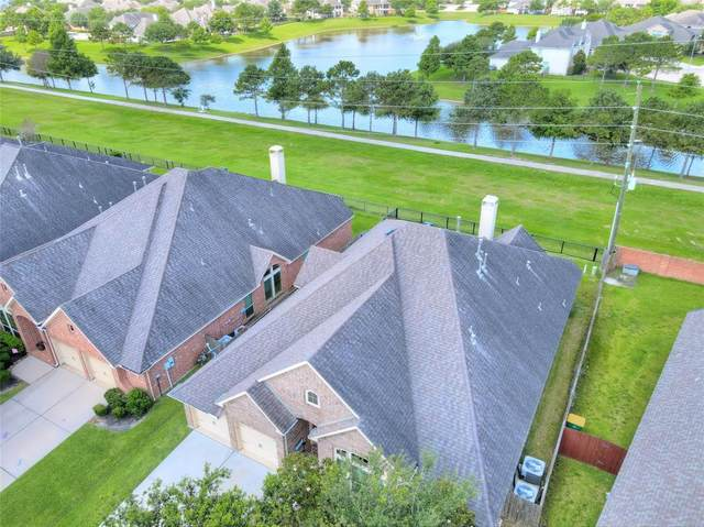 2604 Night Song Drive, Pearland, TX 77584 (MLS #72895136) :: Christy Buck Team
