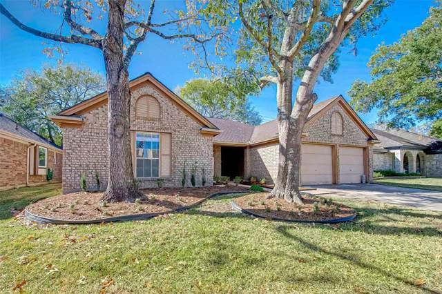 16026 Constitution Lane, Friendswood, TX 77546 (MLS #73207467) :: Christy Buck Team