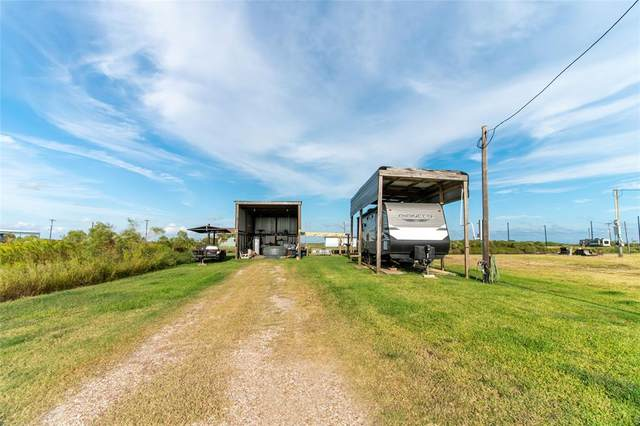 1381 County Road 299, Sargent, TX 77414 (MLS #73241583) :: Caskey Realty