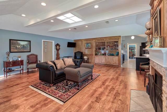 5009 Meadow Lark Lane, Dickinson, TX 77539 (MLS #73275436) :: The SOLD by George Team