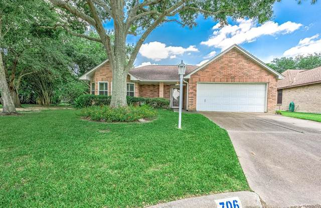 706 Rosefield Court, Pearland, TX 77584 (MLS #73306094) :: The Bly Team