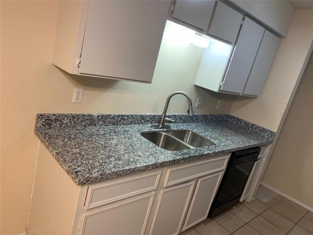 8034 Antoine Drive #111, Houston, TX 77088 (MLS #73326470) :: Fairwater Westmont Real Estate