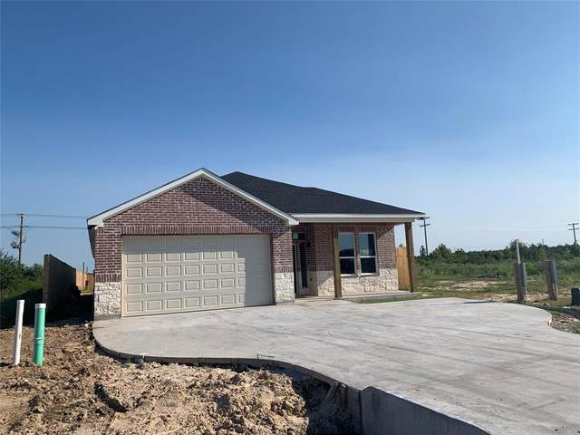 895 Road 5501, Cleveland, TX 77321 (MLS #73389937) :: The SOLD by George Team