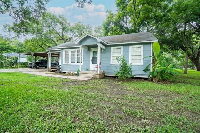 1156 Lake Street, Clute, TX 77531 (MLS #73392074) :: Lerner Realty Solutions