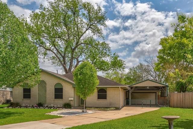 5002 Carmona Lane, Pearland, TX 77584 (MLS #73392528) :: Christy Buck Team