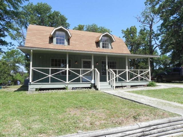 1319 Creeklake Drive, Onalaska, TX 77360 (MLS #73403856) :: The Heyl Group at Keller Williams
