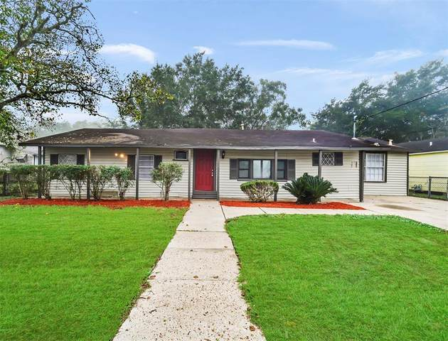 317 E Union Street, Eagle Lake, TX 77434 (MLS #73406364) :: The Andrea Curran Team powered by Compass